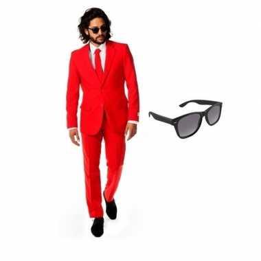 Rood heren verkleedkleding maat 48 (m) met gratis zonnebril